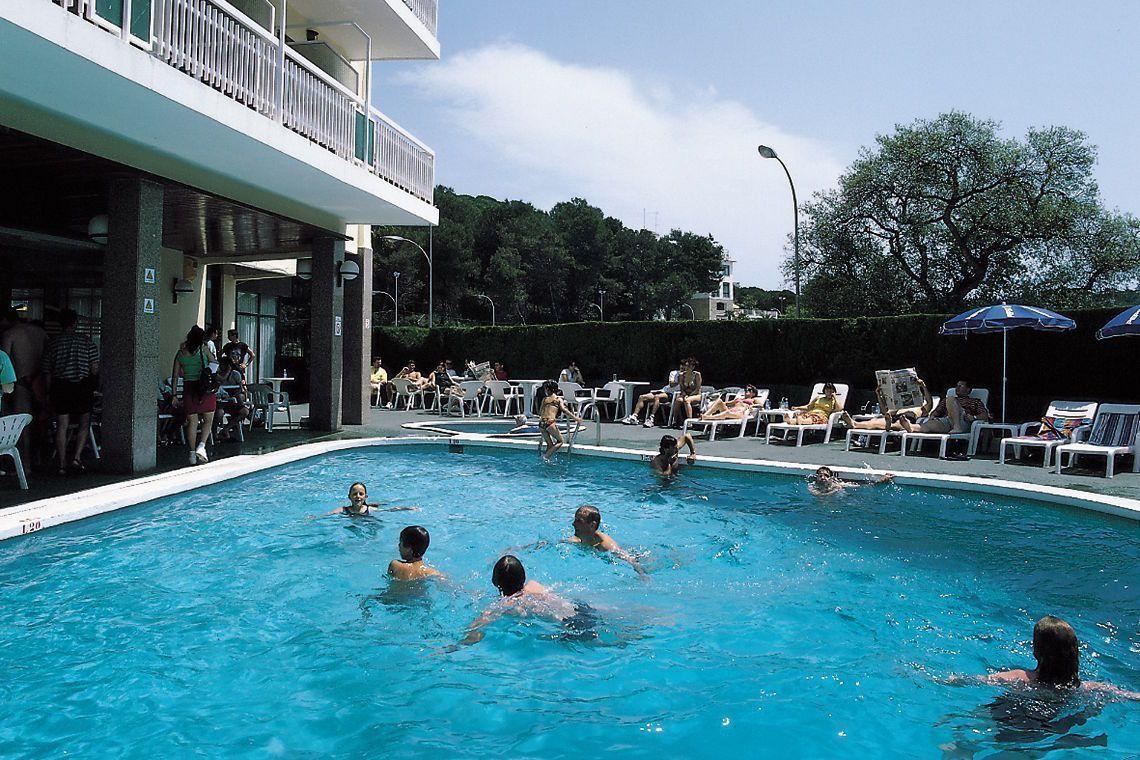 wczasy wypoczynek hiszpania hotel havai lloret de mar funclub-11