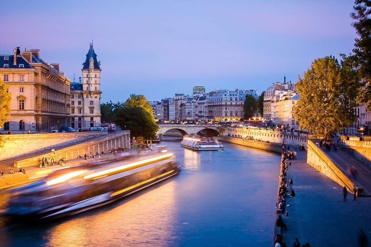 zwiedzanie objazdowe paryż stolica europy paris eiffel louvre luwr funclub-1