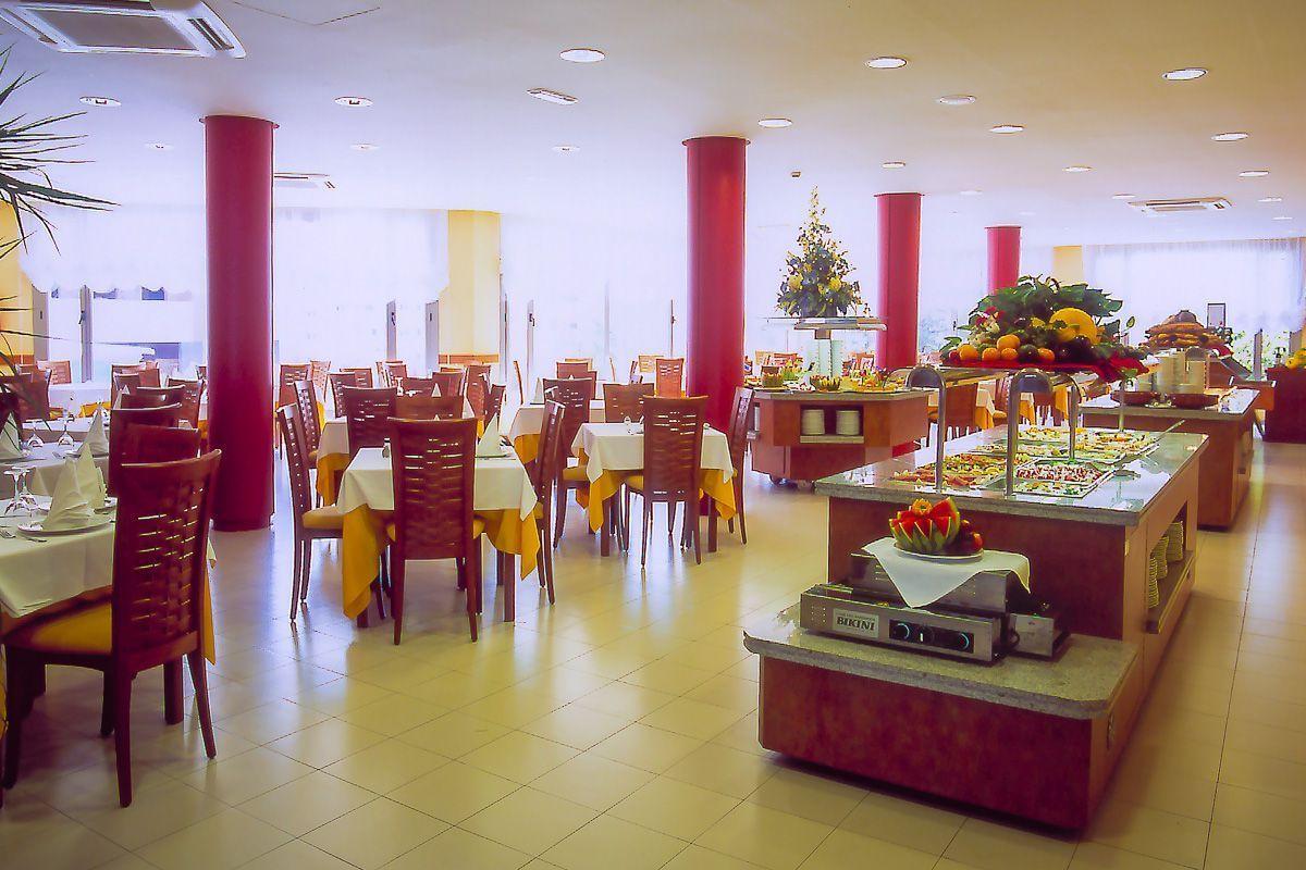 dla seniora wczasy wypoczynek hiszpania hotel fenals garden lloret de mar funclub-7