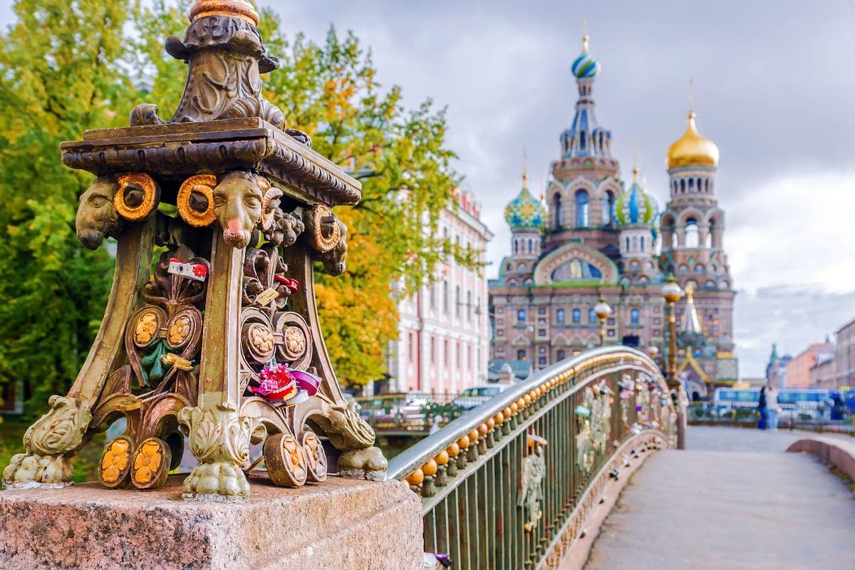 Sankt Petersburg i kraje bałtyckie w maju